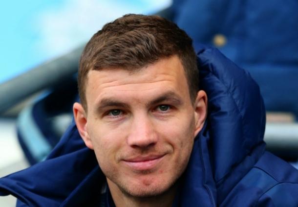 Edin Dzeko Akui Jika Manchester City Wajib Lanjutkan Performa